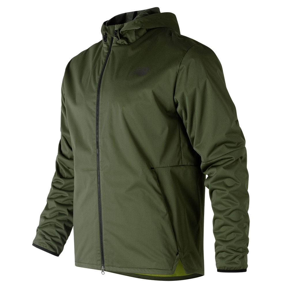 Campera de hombre New Balance Max Intensity Jacket MJ81045
