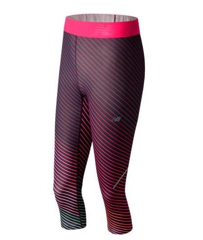 Calza de mujer New Balance Accelerate Printed Capri WP71154